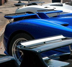 Pagani Zonda Vanishing Point (Soluz91) Tags: point s f r lh vanishing rs coup cinque evo zonda roadster passione pagani tricolore 760 764 2013 huayra