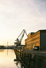 Zollhafen (Rute Andr) Tags: sunset orange film 35mm 50mm harbor iso200 superia analogue mainz fujicolor