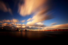 Pont Jacques Cartier - Montreal (Frederic Larose) Tags: city longexposure bridge sunset clouds river montreal pont stlaurent fleuve