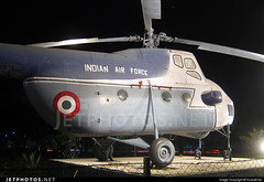 Indian Airforce Mil Mi-4 Hound (FoxbatOne) Tags: china war indian hound vip airforce indo mil sena livery iaf mi4 bharatiya vayu ahqcs