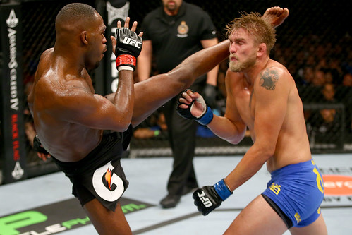 Jon Jones Vs Alexander Gustafsson UFC 165 Highlight Video and pictures