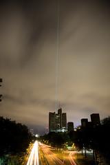 Laser_20131013_011 (falconn67) Tags: cars boston night canon river traffic charlesriver headlights laser laserbeam independenceday bu bostonuniversity storrowdrive 1dsmarkii longesposure 24105l