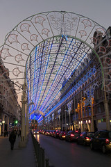 Lille, rue Faidherbe, clairage nocturne (Ytierny) Tags: france vertical architecture shopping commerce gare boutique lille crpuscule nuit btiment faade dcoration nord immeuble eclairage enseigne edifice mtropole flandre ruefaidherbe citflamande ytierny