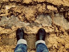 Хорошо забытое старое (лед плюс грязь) (GrusiaKot) Tags: feet ice me foot industrial mud decay ukraine dirt flick piedi lomofilter ukraina ghiaccio fango ucraina украина uploaded:by=flickrmobile сиванковичи riosapp:filter=lomo