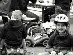 backstage (tusuwe.groeber) Tags: street girls portrait people bw white black boys sport kids germany children fun deutschland cool child sony streetlife kinder racing driver sw weiss rennen schwarz mädchen spass ambition roadrunner professionals jungen niedersachsen lowersaxony rennfahrer spas bobbycar autorennen ehrgeiz profis rennsport strassenleben wahnbek sonyphotographing nex7