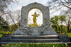 Johann Strauss in Stadtpark (josefrancisco.salgado) Tags: vienna wien musician statue austria nikon europa europe nikkor estatua stadtpark músico d80 at 18135mmf3556g
