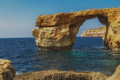 breaking news - azure window collapsed (try...error) Tags: collapse malta gozo azure window azurewindow tourist hot spot hotspot famous sad news breaking tieqataddwerja dwerja dwerjabay gamesofthrones games thrones sea arch limestone fels felsentor einsturz