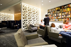 Partitions in the lounge (A. Wee) Tags: deltaairlines 达美航空 skyclub airport lounge 机场 lax losangeles 洛杉矶 california 加州 usa america 美国
