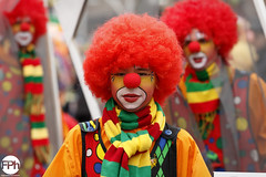 The young clown (Frankhuizen Photography) Tags: the young clown groeëte rogstaekers optocht weert netherlands 2017 street straat portret portrait carnaval carnival vastenavond vastelaovond rood geel groen red yellow green colorful colourful ncg grote