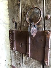 Door Lock (Églantine) Tags: door lock bunrattycastle coclare ireland irlande castle