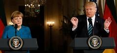 La inmigración es un privilegio, no un derecho: Trump en conferencia con Angela Merkel (conectaabogados) Tags: angela conferencia derecho inmigración merkel privilegio trump
