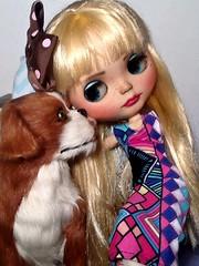 Toy-in-the-Frame Thursday & Blythe-a-Day#4. Rainbow: Luna&Barkley