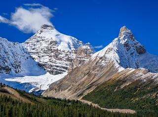 Mount Athabaska, Hilda Peak