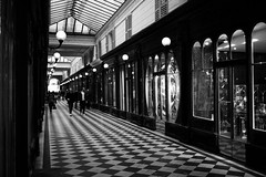 Passages (•Nicolas•) Tags: balade boutique cartes postales france paris parisien passages couverts postcards shop tourism tourisme tourist visit visite walk cartespostales nicolasthomas passagescouverts