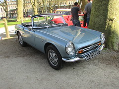 Honda S800 NHS695F (Andrew 2.8i) Tags: queen queens square bristol breakfast club classic classics car cars show meet avenue drivers all types transport youngtimer oldtimer honda s 800 s800 open japenese sports sportscar roadster convertible blue kei micro