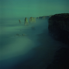 And through the mist of the night came the Fox (LunaliteSBC) Tags: night nightshot longexposure film bronica kodak portra 800 filmphotographyproject ishootfilm filmphotography color 12apostles twelveapostles victoria australia