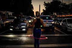 Av. 9 de Julio (guspaulino1) Tags: avenida9dejulio buenosaires ciudad ciudadautonomadebuenosaires street calle atardecer gente trafico obelisco centro microcentro nikond80 nikon35mm18