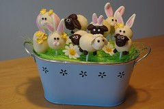 Frohe Ostern ,  happy easter (camel139bf) Tags: rabbits hase schafe k3 pentax sheep easter austria food ostern cakepops