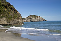 11 February 2017, - Wharariki Beach (The Grey Panther) Tags: collingwood whararikibeach goldenbay farewellspit collingwoodbeach