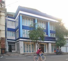 Wahana Tata Tunjungan (Everyone Sinks Starco (using album)) Tags: surabaya eastjava jawatimur architecture arsitektur building gedung office kantor