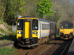 153305 & 150102 Penryn (2) (Marky7890) Tags: 150102 class150 sprinter 2t69 gwr 153305 class153 supersprinter 2f70 penryn railway cornwall maritimeline train