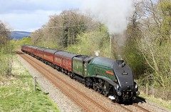 60009 passes Barrow (Ross Taylor pictures 2015) Tags: 60009 union of south africa lancashire ribble valley uk england steam wcrc westcoastrailwaycompany westcoastrailwayscompany 2017 mk1 57315