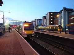 New and old trains (Stephen Cannon) Tags: chilternrailways class121 class168 aylesbury dawn