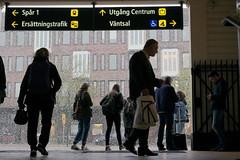 L1004291_v1 (Sigfrid Lundberg) Tags: lund people lundc sweden skåne stairs passengers passagerare snowfall leica aposummicronm 50mmf20asph rydesundergång