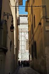 Glimps of Florence Cathedral (Kan-chane Gunawardena) Tags: florence duomo cupola cattedraledisantamariadelfiore cathedral florencecathedral