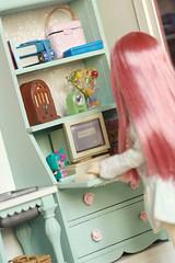 A Little Girl's Vardo 7 (Humbumbuggy) Tags: dollhouse gypsy wagon caravan vardo barbie rement furniture doll miniature