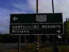 Button Copy Sign (kevin42135) Tags: california county lake sign us highway williams north illumination upper 101 shore button arrow 29 20 resorts copy reflector