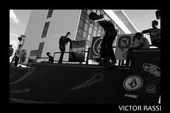 Skate Rock Jam (Victor Rassi 7 millions views) Tags: skaterockjam skateboard skate esporteradical centroculturaloscarniemeyer brasil 2013 20x30 esportes goiânia goiás pretoebranco canon américa américadosul canonefs1855mmf3556is canoneosdigitalrebelxti rebelxti xti