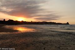 ltimos destellos de luz II...Caravia (ElAsturcon) Tags: asturias playa asturies caravia espasa