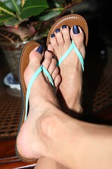 A England Tristam (IPMT) Tags: ocean blue england man sexy men feet azul fetish dark foot perfect toes painted gorgeous tristam polish lindo thong barefoot stunning pedicure sandal toenails shimmer toenail holographic bello holo minded pedi a
