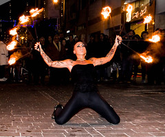 Maura Chiulli (Alberta Verrocchio) Tags: italy out fire donna women italia streetartist streetperformer acrobat writer performer fuoco spettacolo fiamma pescara artistidistrada omofobia arcigay discriminazione omosessualita scrittrice chiulli streetacrobat maurachiulli wanderingenterteiner piaceremaria