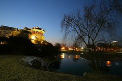 Suwon Hwaseong Fortress (HDH.Lucas) Tags: light tree architecture night landscape pond korea lucas clear cannon