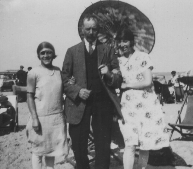 William_Abraham_Brimson_Eleanor_Kate_Brimson_and_Ethel_Elizabeth_Brimson_Cis_1926