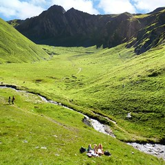 Taking the advantage to relax in the Weitental (Bn) Tags: summer mountain holiday snow mountains fall car station clouds walking austria oostenrijk waterfall sterreich lift cows wind hiking meadow cable hike falls glacier trail pasture valley popcorn cumulus vista strong gondola gorge puffy viewpoint topf100 marmots zillertal hintertux gust schleier gletsjer summetime tuxertal foothpath klamm 100faves weitental sommerbergalm sommerberg 2100m tuxerjochhaus gletscherbusse