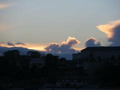 Nuage... (asmoth360) Tags: sunset sky clouds cloudy ciel soire nuage soir ville calme coucherdesoleil blois