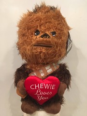 chewie love you (timp37) Tags: chewbacca chewie loves you stuffed animal star wars heart 2017