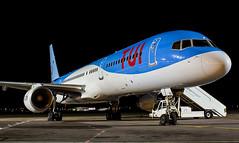 G-OOBD Thomson Airways (TUI) Boeing 757-200 @ Exeter Airport, Devon. (Sw Aviation) Tags: goobd thomson airways tui boeing 757 exeter airport devon flying flight aviation avgeek 752 757200 black sky dark night photography ramp stand