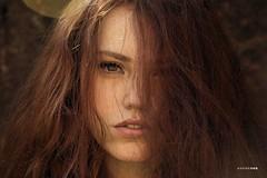 Red lines (#KarineOggPhoto) Tags: karineogg fashion editorial redhead red head hair ginger bauty naturallight natural luznatural ruiva modelo female girl portrait retrato fotografia photography beleza bonito modea moda