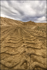 Human Dune (MarioVolpi) Tags: hdr canon60d argentina argentine clouds cielo cloudy sand arena desierto desert