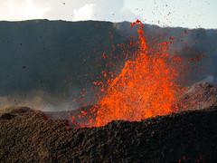 volcan02-8 (loïcabadie) Tags: eruption pitondelafournaise laréunion réunion volcan lave