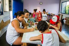 Elisângela Leite_8 (REDES DA MARÉ) Tags: américa brasil complexodamaré doglaslopes favela latina maré marésemfronteiras novamaré ong redesdamaré riodejaneiro aula criança desenho serigrafia