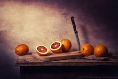 Fresh Oranges (Davide Solurghi Photography) Tags: davidesolurghiphotography davidesolurghi stilllife indoor inside studio naturemorte naturamorta food cibo fruit fruits frutta knife oranges fresh day afternoon giorno pomeriggio morning mattino mattina