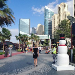 Snowman (Juha Helosuo) Tags: dubai united arab emirates snowman city downtown jumeirah beach travel people street walking photography snow skyscraper bay traveller