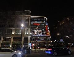 Londres 2017 (Luis_mail) Tags: roja oxfordstreet london londonbridge igeurope iglondon igerslondon towerbridge metropolitan city londoncity metropolitanpolice bnwlondon london londoner londonpop uk uk urban londonuk picadilly trafalgarsquare bigben traditional underground millenium taxi luismail