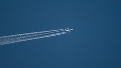 Qatar Airways A380-861 from London to Doha at FL390 (Awesome Zoleeka) Tags: canon eos m qatar airbus a380 london doha contrail sky airlines