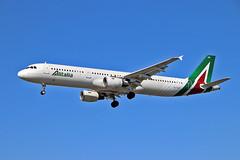 EI-IXH Airbus A.321-112 Alitalia LHR 09-04-17 (PlanecrazyUK) Tags: egll londonheathrow lhr heathrow heathrowairport eiixh airbusa321112 alitalia 090417